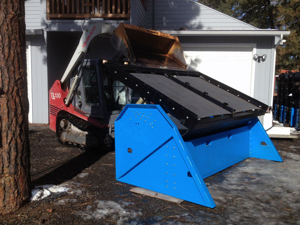 Topsoil Screener SLG-108 with Flattened Screened Deck for Slower Material Flow